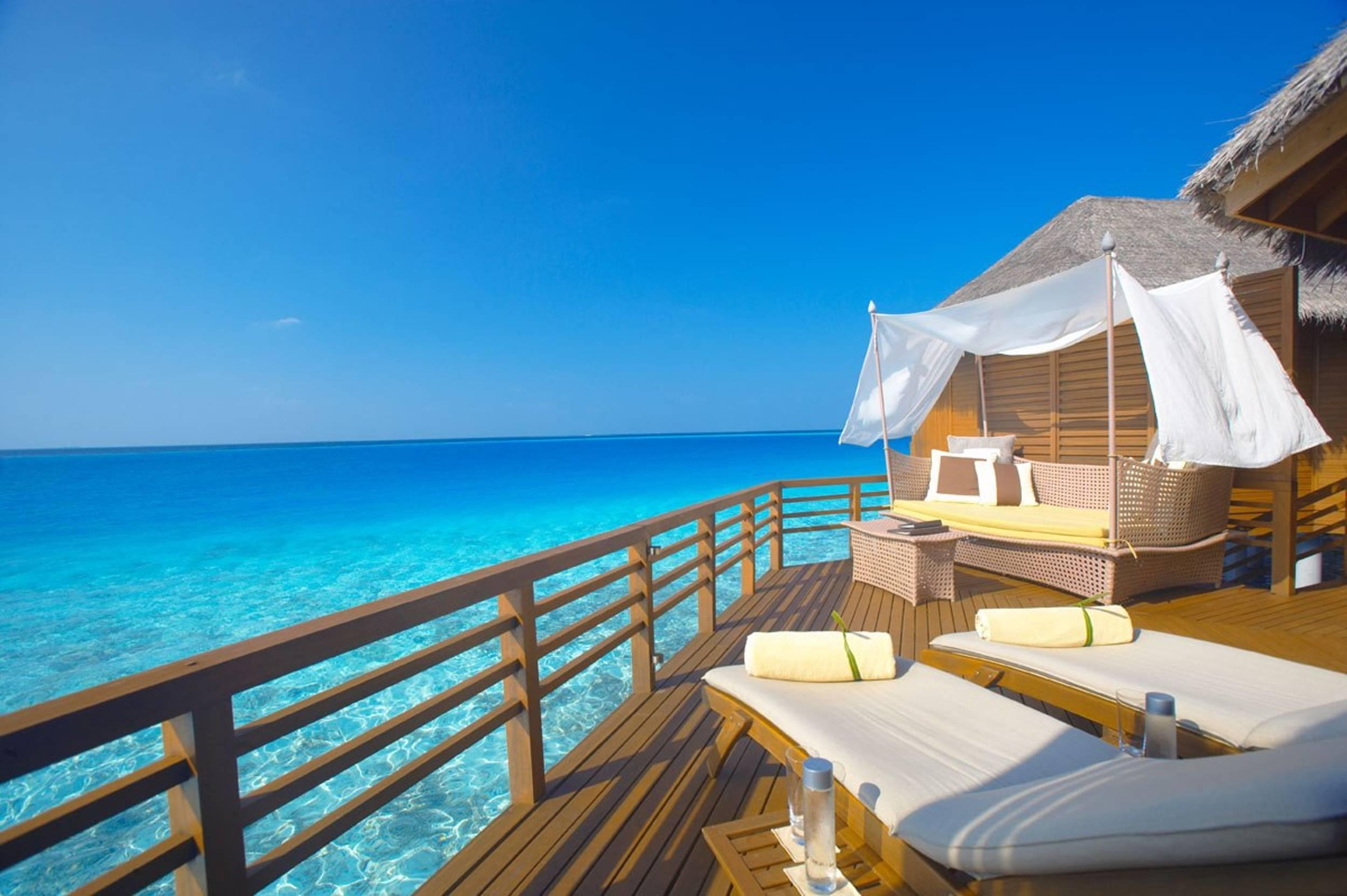 15 most luxurious honeymoon destinations for Top honeymoon beach destinations